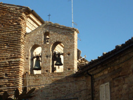 Glockenturm in Montelparo, Tourismus Marken